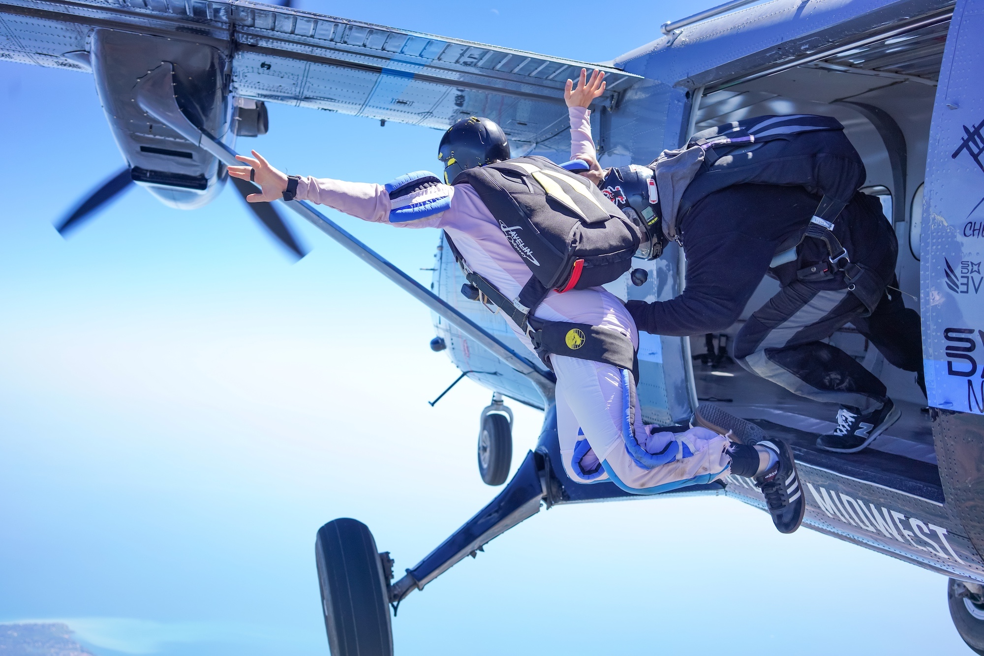 Learn to Skydive, Skydive Solo Near Milwaukee WI