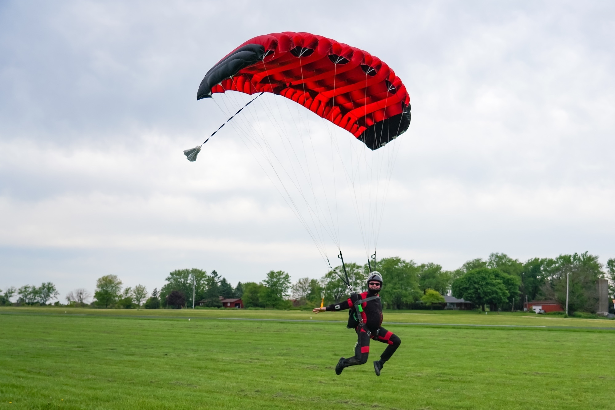 ATP Learn to Skydive. Landing a Parachute