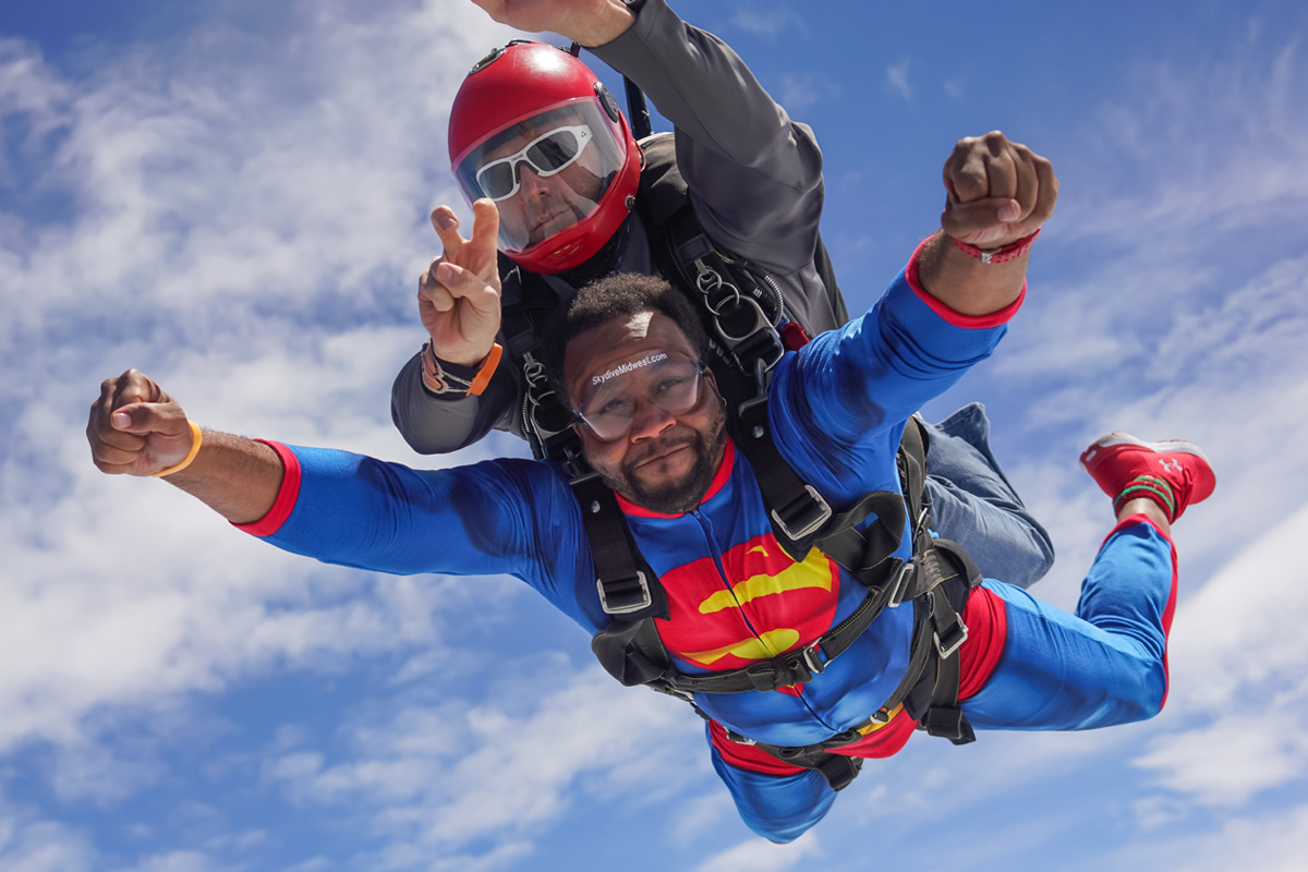 Superman Tandem Skydive near Chicago IL