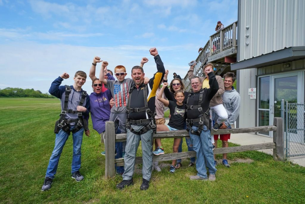 Group Skydiving Discounts at Skydive Midwest